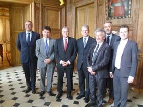 Michel Charrat rencontre l'ambassadeur de Suisse en France