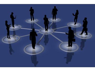 A partir de 50 ans, mieux vaut privilégier son réseau personnel que LinkedIn
